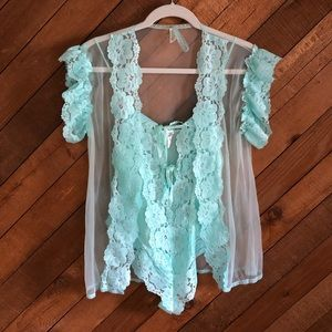 Vintage lacy seafoam green negligee + cover